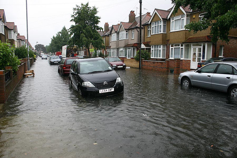 Flooding in Helen Ave,Feltham 20th July 2007